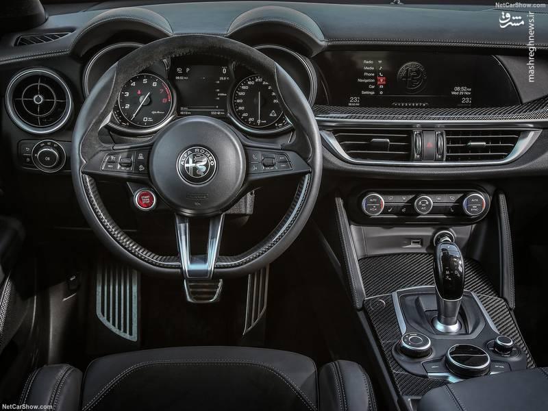 در کنار تمام این توصیفات آلفا اعلام کرده گزینه رانندگی در خودرو را متحول کرده و لذت رانندگی را به واسطه فرمانپذیری و هندلینگ بهتر افزایش داده است.