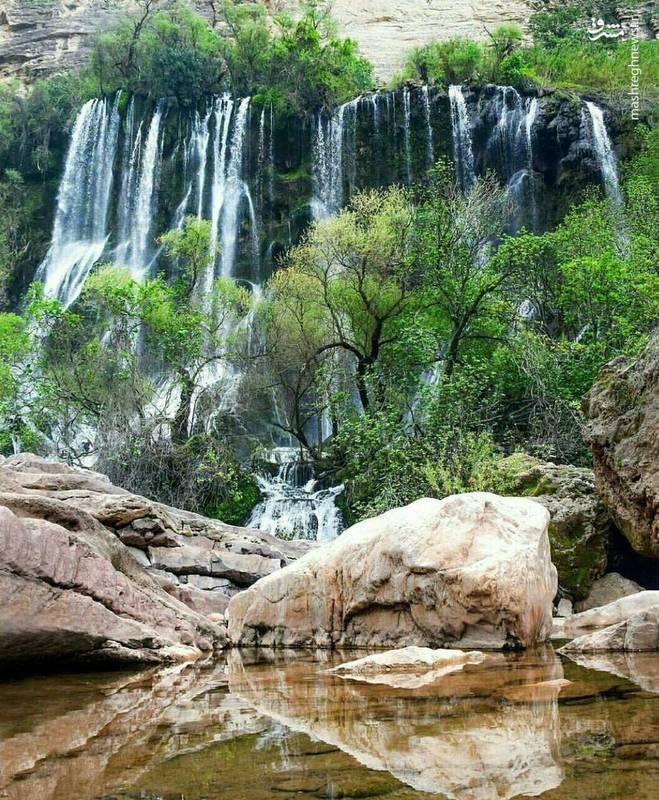آبشار شوی در رشتهکوههای زاگرس در دهستانی به نام شوی از توابع شهرستان دزفول در استان خوزستان واقع شدهاست.