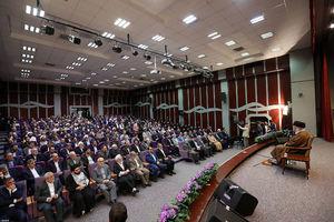 عکس/ دیدار جمعی از اساتید و معلمان با  رهبر انقلاب