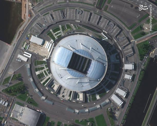 استادیوم کرستوفسکی-سن پترزبورگ،  یکی از خارق العاده ترین و جذاب ترین ورزشگاههای جهان می باشد، این استادیوم ورزشی که تقریبا ۶۵۰۰۰ نفر ظرفیت دارد در جزیره کرستوفسکی در شهر سن پترزبورگ واقع شده است و میزبان مسابقه فوتبال ایران و مراکش در جام جهانی ۲۰۱۸ خواهد بود.