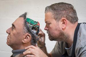 ربات جدید ساخت شرکت انگلیسی کورنیش. این رباتها به مراکز علمی و تجاری فروخته می شود