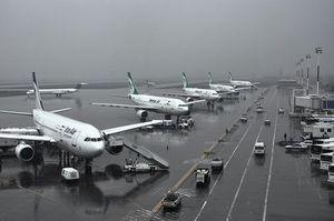 فیلم/ لحظه برخورد صاعقه با زمین در فرودگاه مهرآباد