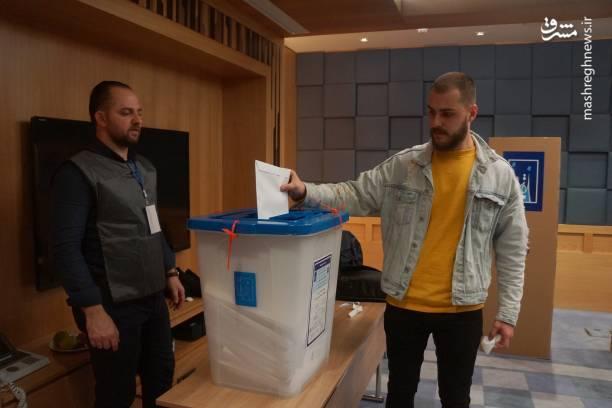 استان کربلای معلی واقع در جنوب بغداد نیز خود را برای انتخابات پارلمانی آماده کرده و نامزدها برای دست یافتن بر ۱۱ کرسی مجلس با یکدیگر رقابت می کنند.