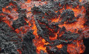 عکس/ جولان مواد مذاب در هاوایی