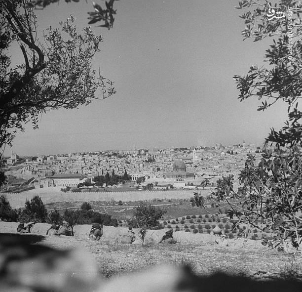 هفتاد سال از اشغال فلسطین توسط رژیم صهیونیستی و تأسیس این رژیم جعلی گذشت؛ فاجعهای که طی آن بخش اعظمی از بنیانهای سیاسی، اقتصادی و فرهنگی فلسطینیها نابود شد تا راه برای اعلام موجودیت رژیم صهیونیستی باز شود