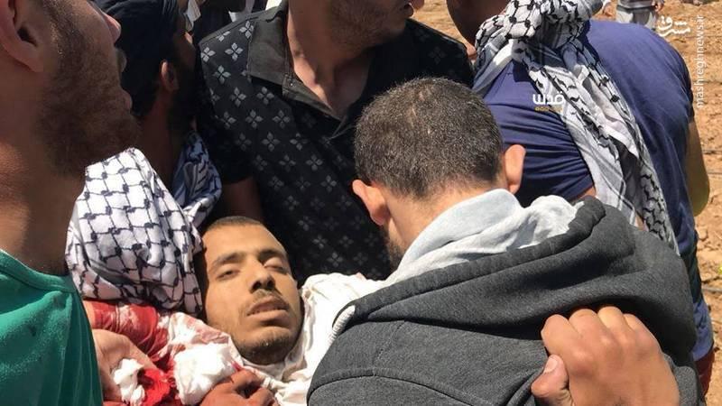 در پی تیراندازی نظامیان صهیونیست به تظاهرات کنندگان فلسطینی در مرز غزه، یک جوان ۲۱ ساله به شهادت رسید.