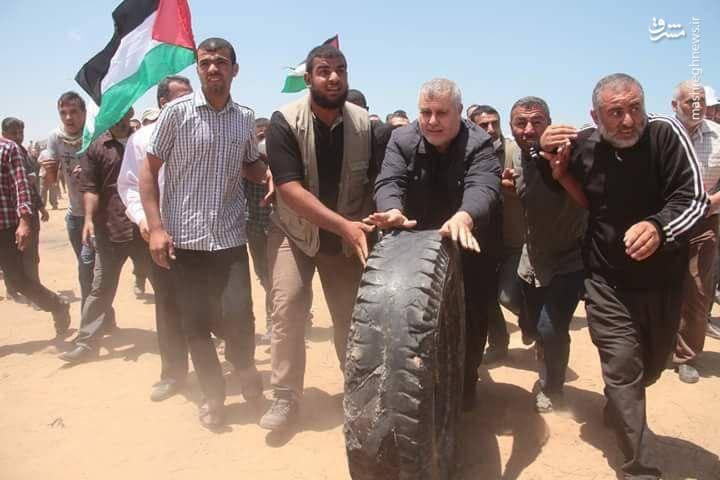 حضور خالد البطش از رهبران جهاد اسلامی در میان تظاهرکنندگان نوارغزه