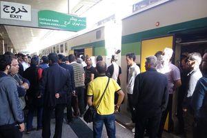 علت اختلال حرکت امروز در خط مترو کرج به تهران,