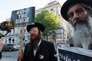درگیری خاخام یهودی با یک صهیونیست