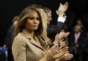 درآمد همسر ترامپ از فروش عکسهایش
