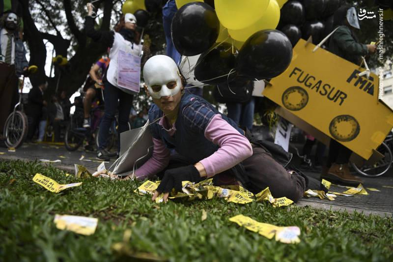 تظاهرات مردم بوینس آیرس علیه مذاکرات دولت آرژانتین با صندوق بینالمللی پول و افزایش هزینه خدمات عمومی