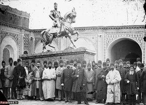 مجسمهای از ناصرالدین شاه