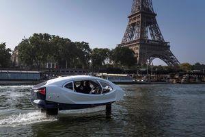 عکس/ تاکسی پرنده در پاریس