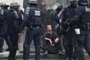 تظاهرات درگیری در فرانسه