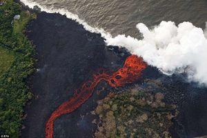 مواد مذاب آتشفشان هاوایی به اقیانوس