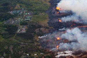 عکس/ گدازههای آتشفشان در راه رسیدن به یک نیروگاه