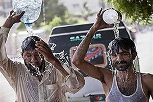 فیلم/ راهکارهای پاکستانیها برای جلوگیری از گرمازدگی