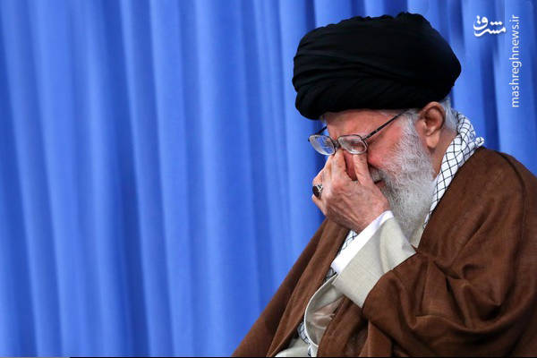 اشک ها و گریه رهبر انقلاب در تلاوت قرآن استاد شحات انور
