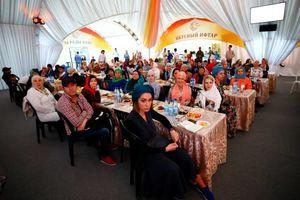 عکس/ سفره افطاری مسلمانان در روسیه