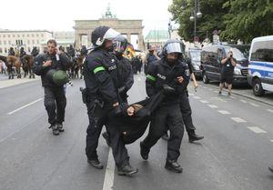 تظاهرات در آلمان بر سر مسائل مهاجرتی