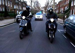فیلم/ تعقیب و گریز خطرناک پلیس و موتورسوار