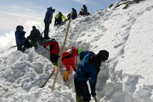 انتقال هفت بسته از بقایای پیکر جانباختگان سقوط هواپیمای یاسوج