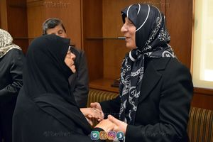 عکس/ تسلیت مادر شهید مغنیه به خواهر امام موسی صدر