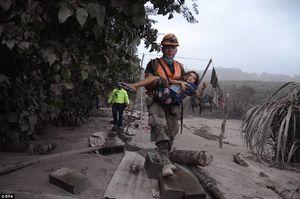 عکس/ ۲۵ کشته در فوران آتشفشان فیوگو