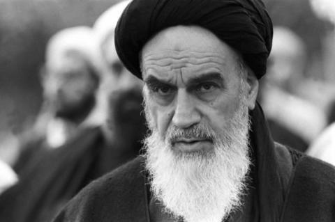 امام خمینی از کدام پیرمرد سیاسی تأثیر پذیرفت؟