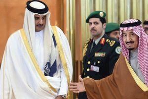 یک سال پس از محاصره قطر، اعتبار آن از سعودی بیشتر شده است