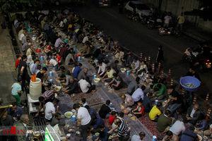 عکس/ افطاری ساده در بلوار ابوذر تهران