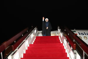 عکس/ بازگشت روحانی به تهران