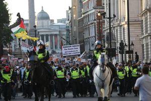 رسانههای لندننشین در هیاهو تظاهرات انگلیس کجان؟ +فیلم