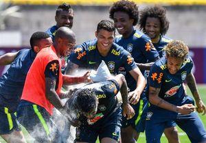 شوخی نیمار و بازیکنان برزیلی با کوتینیو