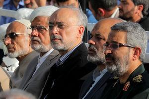 عکس/ حضور چهرهها در نماز عید فطر مصلی تهران