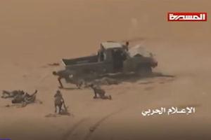 فیلم/ لحظه انهدام خودروی نظامی مزدوران سعودی