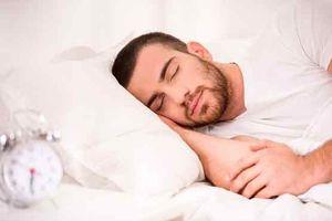 چه عواملی خواب عمیق را مختل میکنند؟