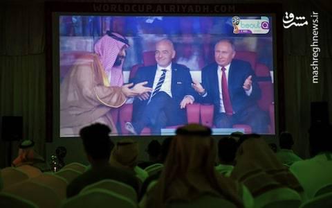 حضور بن سلمان در استادیوم افتتاحیه مسابقات جام جهانی در روز شکست سخت عربستان مقابل روسیه