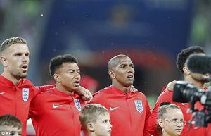 حمله پشه ها به بازیکنان انگلیس