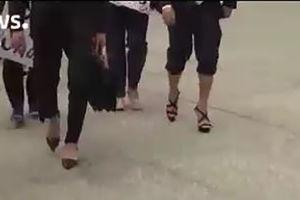 فیلم/ راهپیمایی وکلای مرد با کفش زنانه!
