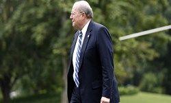 معاون ترامپ از سمتش استعفا میکند
