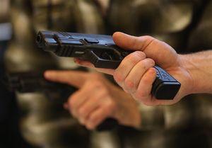 شهروندان آمریکایی صاحب نیمی از اسلحه جهان هستند