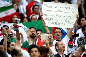 عکس/ بنر جالب هوادار ایرانی در ورزشگاه کازان