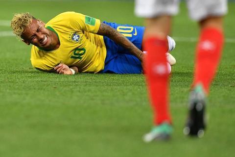فیلم/ لحظه مصدومیت نیمار در تمرین برزیل