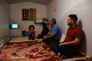 عکس/ تماشای بازی ایران و اسپانیا در سر پل ذهاب