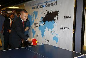 عکس/ پینگ پنگ اردوغان قبل از انتخابات