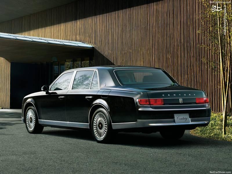 این خودرو تنها در بازارهای محدودی عرضه می شود و در بازار ژاپن از آن به عنوان لوکس ترین خودرو یاد می شود.