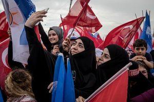 اردوغان در دوراهی دستیابی به دیکتاتوری یا سقوط+ فیلم
