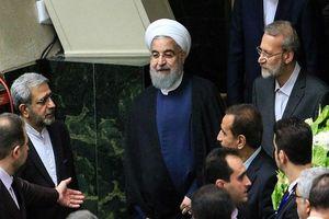 هماهنگی لاریجانی با روحانی برای حضور در مجلس