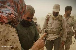 عکس/سردار پاکپور در محل درگیری سپاه با اشرار